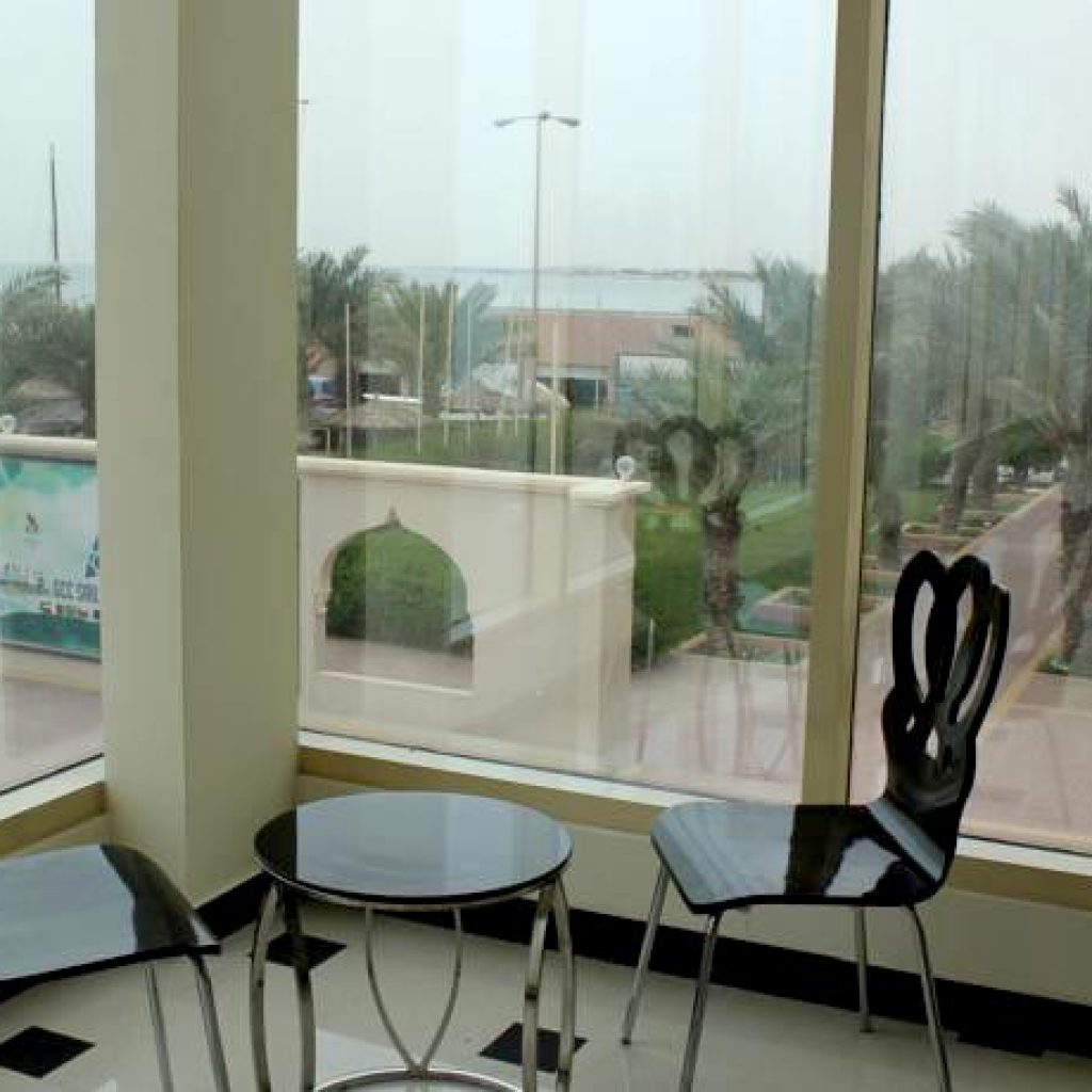 Bahrain Beach Resort - 9km from Bahrain International Circuit