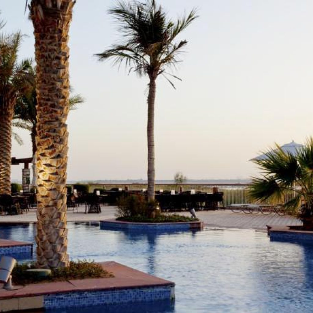 Park Inn By Radisson Yas Island - Lagoon Pool